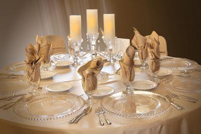 24 Table set